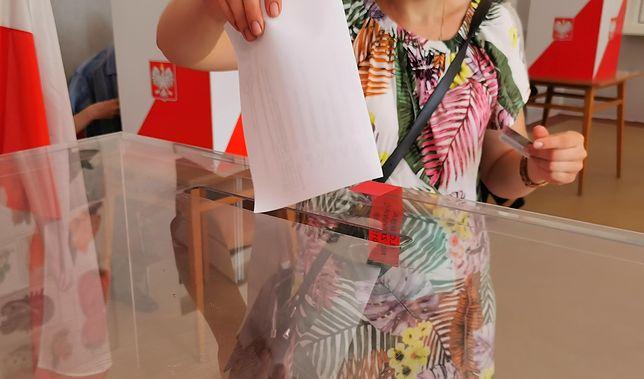 Wybory 2020. W Warszawie wyborcy tłumnie ruszyli do lokali wyborczych, będzie rekord frekwencji wyborczej?