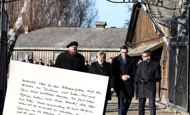 Angela Merkel złożyła wpis w Księdze Pamiątkowej po wizycie w Auschwitz