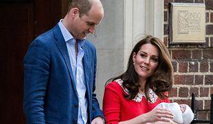 Książę William i księżna Kate z księciem Louisem