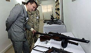 Politycy, którzy mają broń
