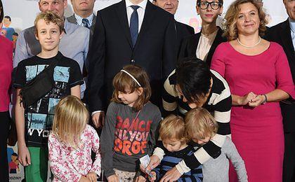 Prof. Leś o 500+: dotąd polskie państwo za mało pomagało rodzicom