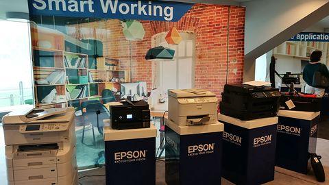 Epson – biznesowe drukarki atramentowe z ITS i interaktywny projektor