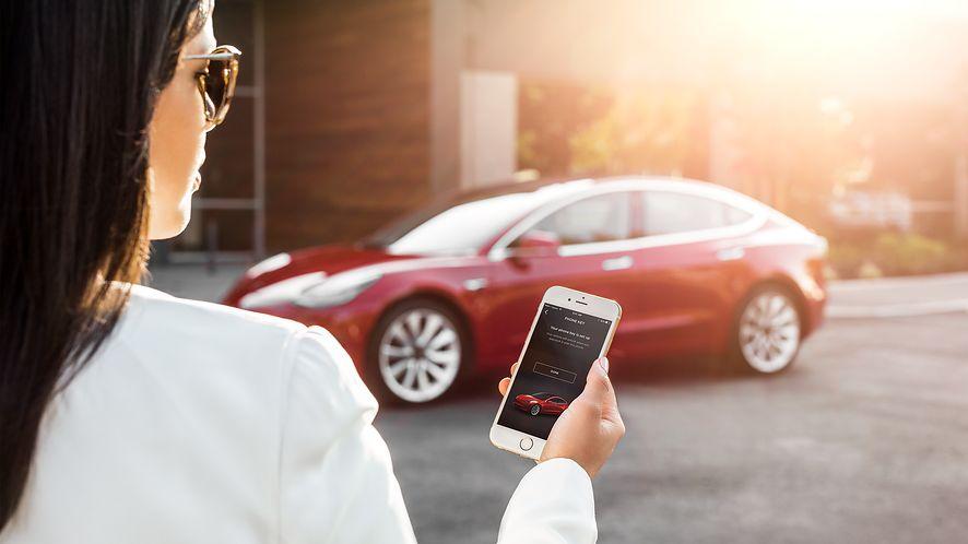 Nowa funkcja w samochodach Tesla pomogła znaleźć niedoszłego złodzieja, fot. materiały prasowe