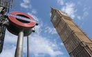 Zarobki w Wielkiej Brytanii. Średnia roczna pensja szefów firm giełdowych - 4,6 mln funtów