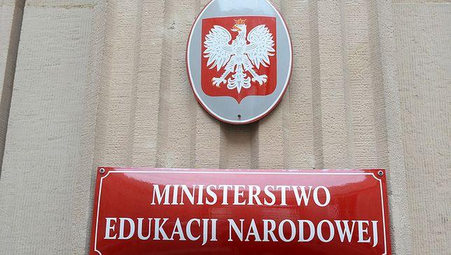 Koronawirus. MRPiPS i MEN apelują o zwolnienie uczniów z obowiązku świadczenia pracy