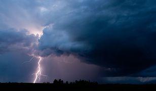 Pogoda - gdzie jest burza i deszcz? Sprawdź na interaktywnej mapie, gdzie grzmi i błyska