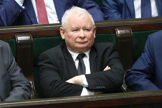 Jarosław Kaczyński broni projektu ws. sądów