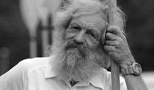 Aleksander Doba nie żyje. Podróżnika żegnają politycy i samorządowcy