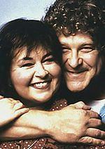 """Downwardly Mobile"": John Goodman i Roseanne Barr razem na polu kempingowym"