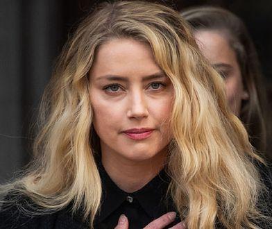 Zmęczona Amber Heard wróciła do domu