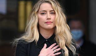 Amber Heard odwiedziła meczet w Turcji. Spotkała się z ostrą krytyką