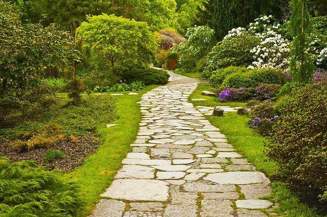 Kamienne nawierzchnie w ogrodzie