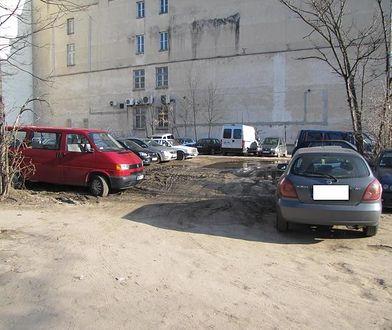 Czy w stolicy brakuje parkingów?