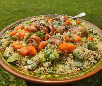 Pieczony kurczak z kuskusem i warzywami. Obłędny obiad