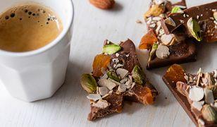 Jak zrobić domową czekoladę? Potrzebujesz tylko kilku składników