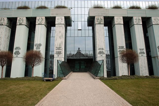 Reuters: Komisja Europejska podjęła jednak decyzję ws. Polski. Kieruje sprawę SN do TSUE