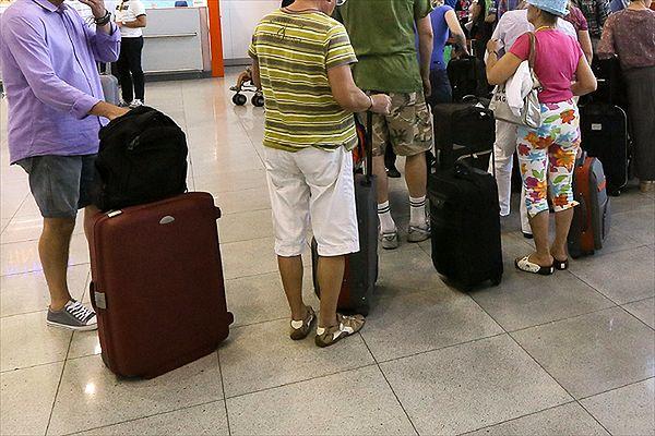 Polscy turyści koczowali na lotnisku w Egipcie 12 godzin. Wrócili z 30-godzinnym opóźnieniem