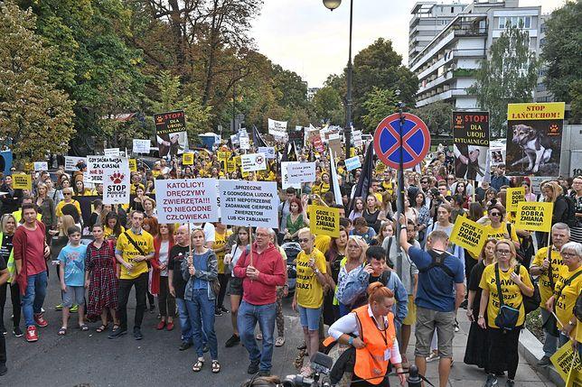 """Sejm. Protest obrońców praw zwierząt. """"Gdzie ta dobra zmiana?"""""""