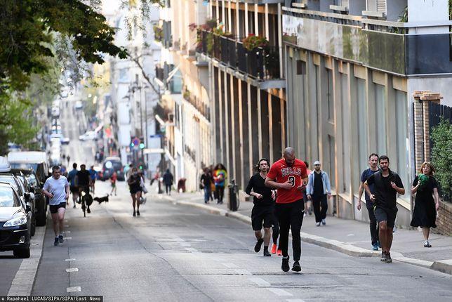 W Paryżu uprawianie aktywności fizycznej dozwolone jest tylko w godzinach od 19 do 10 rano