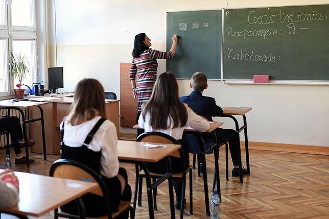 Egzamin ósmoklasisty w szkole nr 18 im. Macieja Rataja w Lublinie