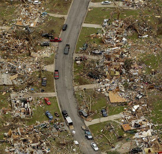 Tornado zrównało miasto z ziemią - zdjęcia
