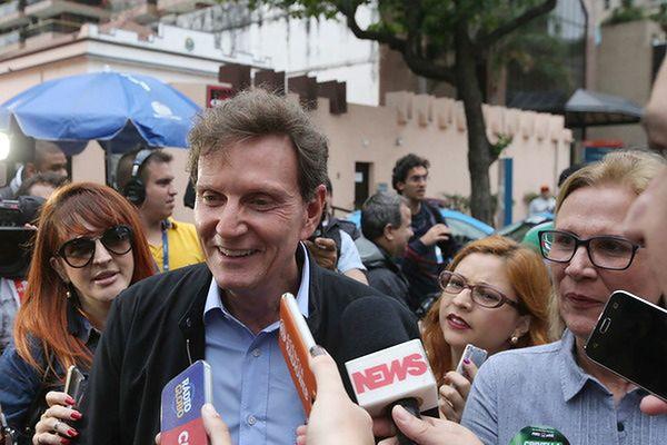 Śpiewający biskup burmistrzem Rio de Janeiro