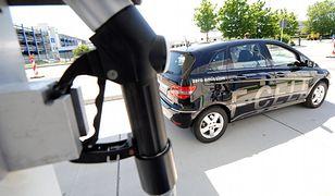 Bezpłatne parkingi zachęcą do kupna aut elektrycznych