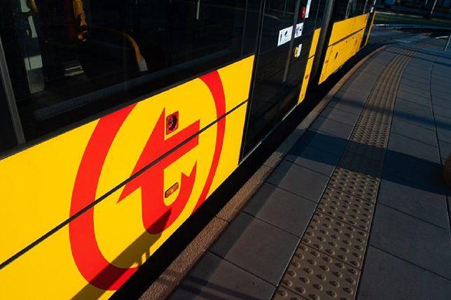 Warszawa. Dwa tramwaje zderzyły się na skrzyżowaniu ulic Wolskiej i Elekcyjnej na Woli, motornicza została ranna