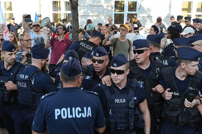 Policja ochrania marsz