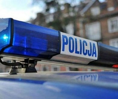 Saska Kępa: pijany kierowca wjechał na chodnik. Dwoje dzieci poszkodowanych