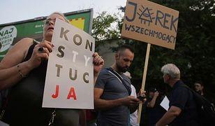 Obrońcy Jarosława Kaczyńskiego też wyszli na ulice. Ale jest jedna różnica
