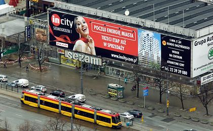 Koniec wielkich banerów reklamowych na ulicach miast