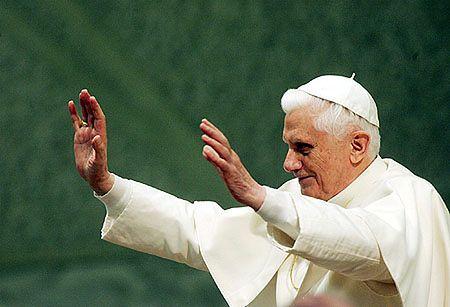 """Papież udzielił """"pełnego poparcia"""" abp. Wielgusowi"""