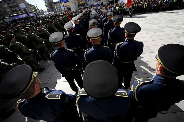 Parada z okazji niepodległości w Kosowie
