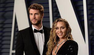 "Miley Cyrus i Liam Hemsworth na imprezie ""Vanity Fair"". Para jak z obrazka"