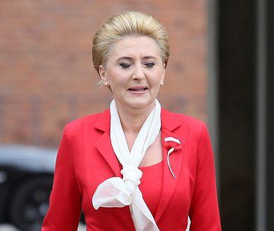 Agata Duda postawiła na biało-czerwoną stylizację