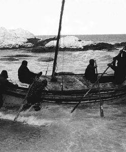 Spędzili 170 dni na lodowej krze. Co byli zmuszeni jeść, by uniknąć śmierci głodowej?