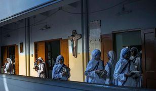 Ośrodek prowadzi fundacja związaną z złożonym przez Matkę Teresę zakonem