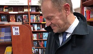 Donald Tusk przebywa na Ukrainie. Pokazał książkę znalezioną w jednej z księgarni