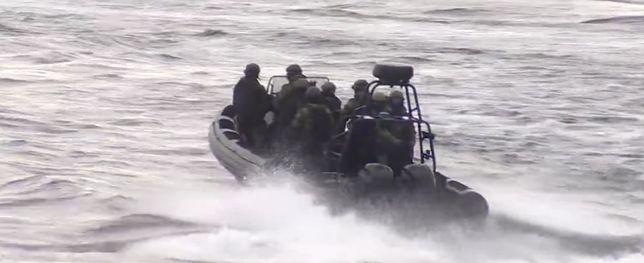 Odbijanie zakładników z porwanego statku
