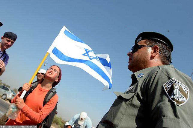 Żołnierze i policja pilnują przygranicznych punktów kontrolnych