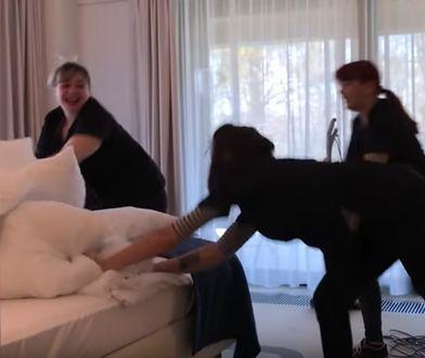 Pracownicy hotelu pokazują, do czego skłania ich nuda