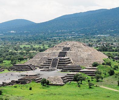 Meksyk - zapada się Piramida Słońca