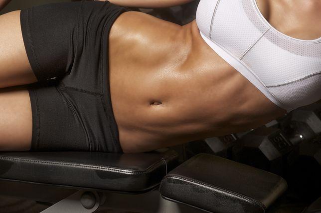 Spalisz tłuszcz i ujędrnisz ciało. Ćwiczenia trwają tylko 4 minuty