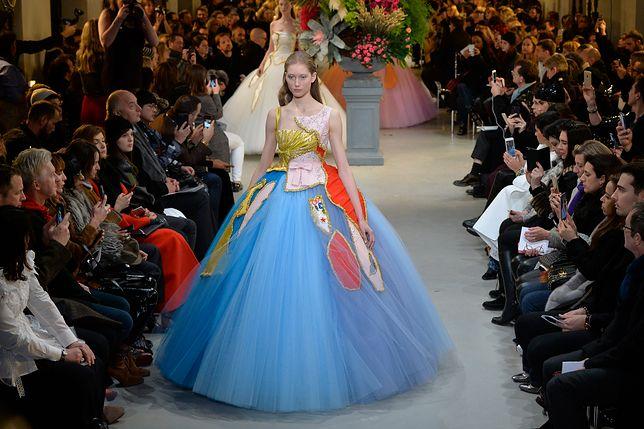 Moda haute couture i wielki powrót balowej sukni