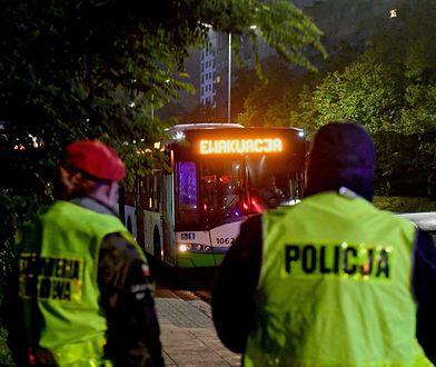 Szczecin, 18.10.2020. Ewakuacja ponad 550 osób mieszkających na os. Kaliny w Szczecinie.
