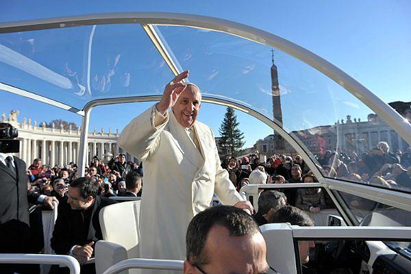 Papież Franciszek najbardziej słuchany i podziwiany w Europie, USA oraz Ameryce Łacińskiej
