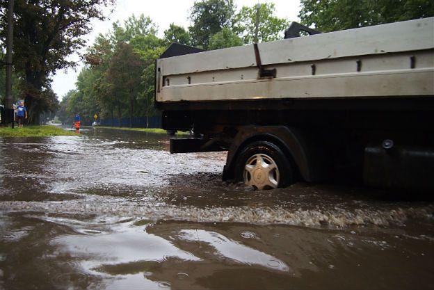 Ulewy na południu Polski: woda wdarła się do szpitala w Gliwicach