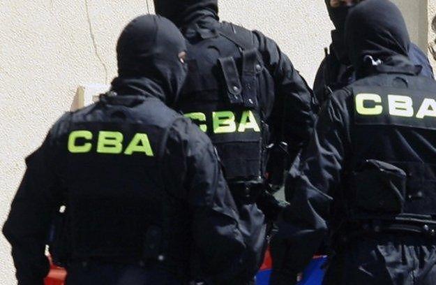 CBA zatrzymało byłego szefa KNF. Kulisy porannej akcji