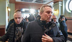 Gerald Birgfellner i jego pełnomocnik Jacek Dubois w drodze na przesłuchanie